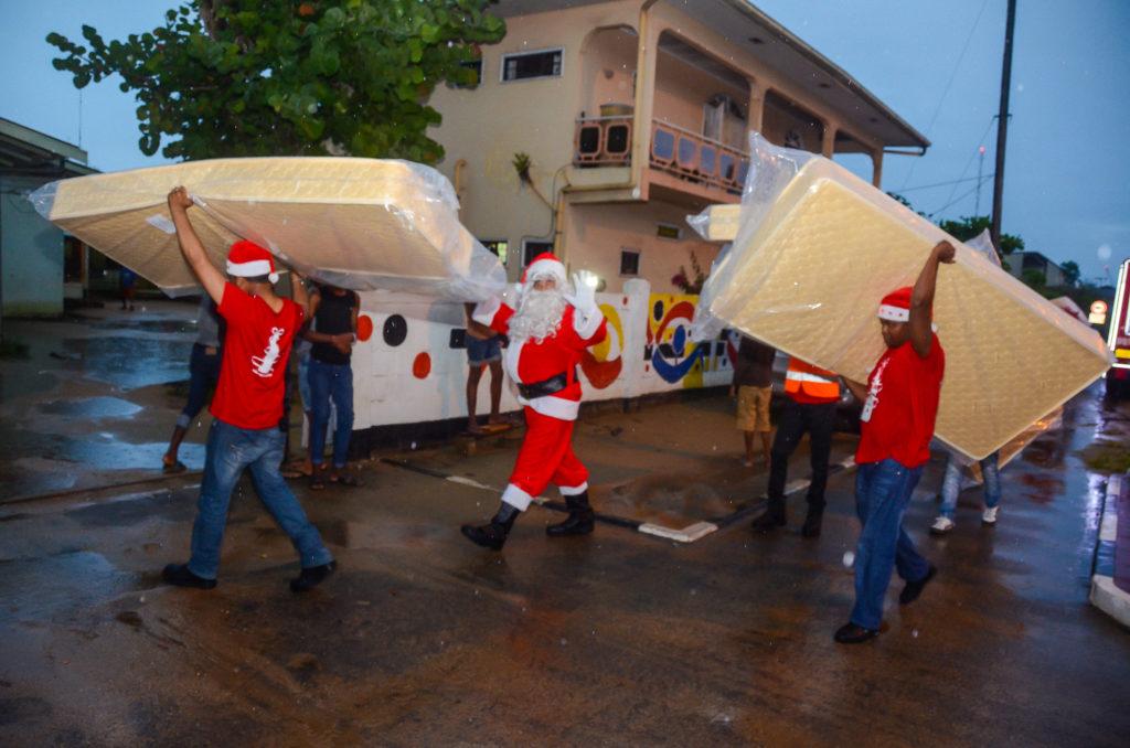 Kinderhuis Campagne donatie Fernandes Bottling Christmas Caravan